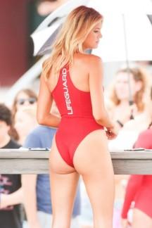 Kelly-Rohrbach-hot-In-Swimsuit-35-662x993